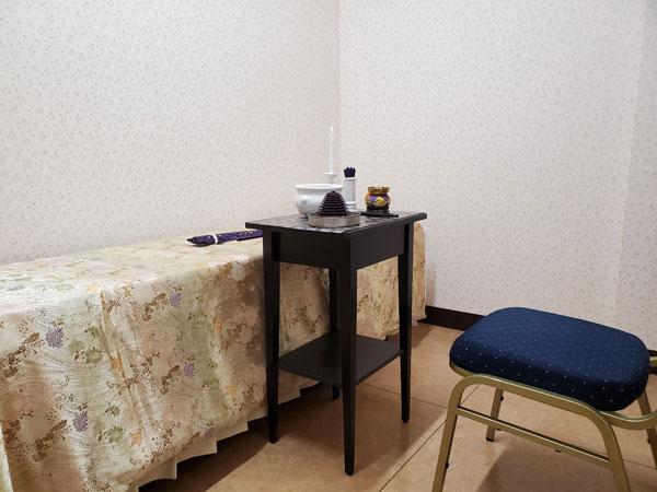 ファミリーホール鶴ヶ峰・ご納棺やお花入れのお別れも、霊安室で
